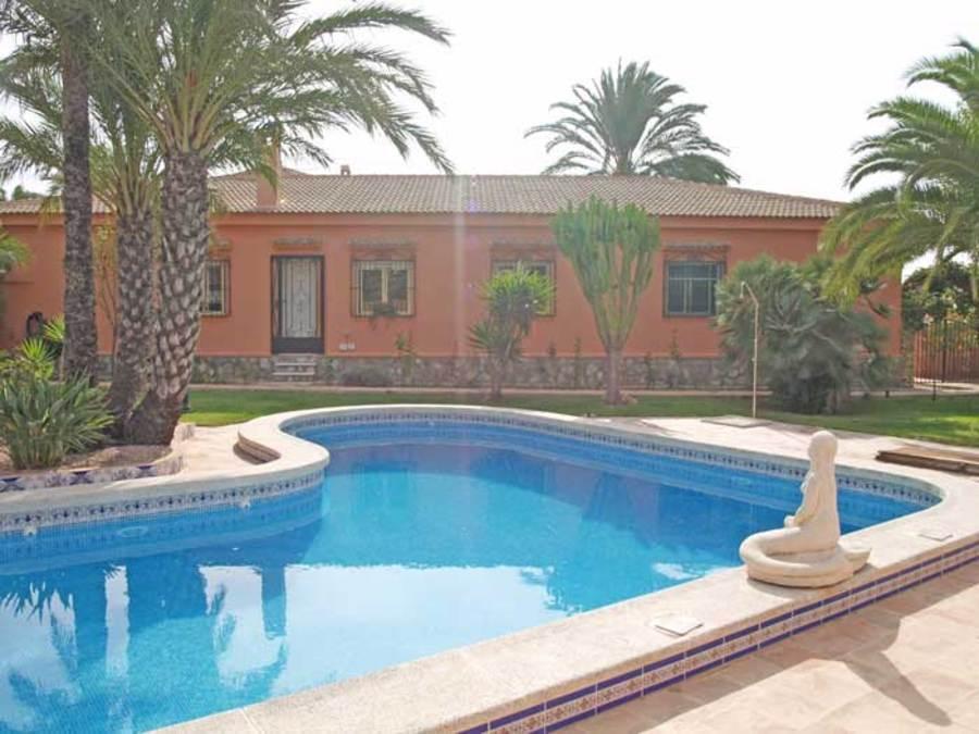 208: Villa in Torrevieja