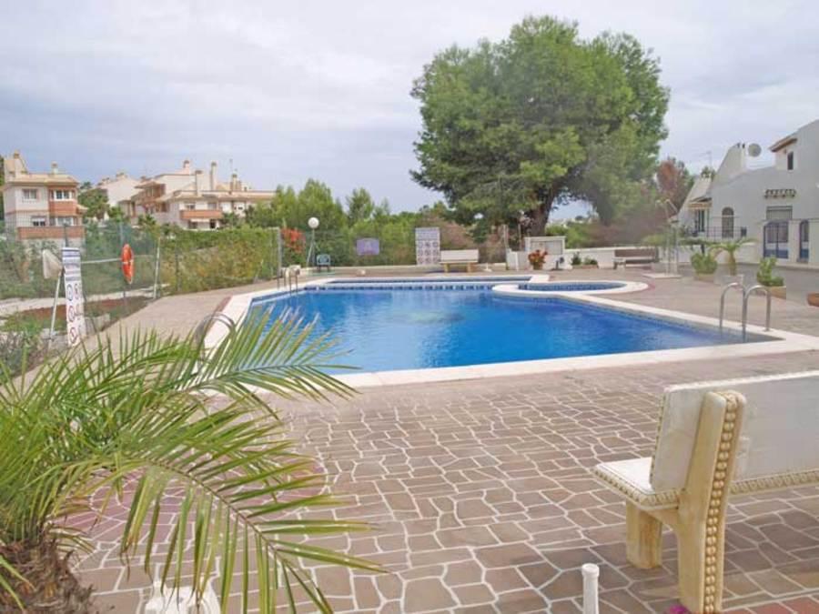 076: Apartment in Villamartin
