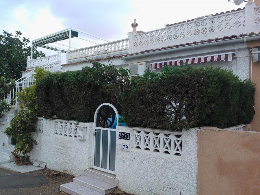 250A: Bungalow for rent in  - Torrevieja