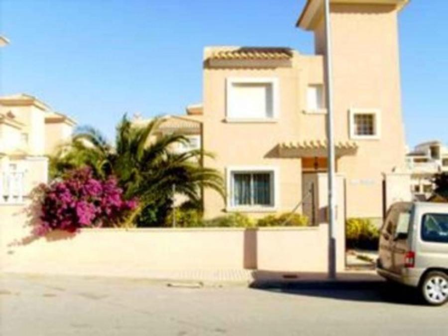 PF001: Villa in Los Altos