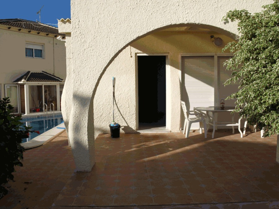 TVS017: Bungalow for rent in  - Torrevieja