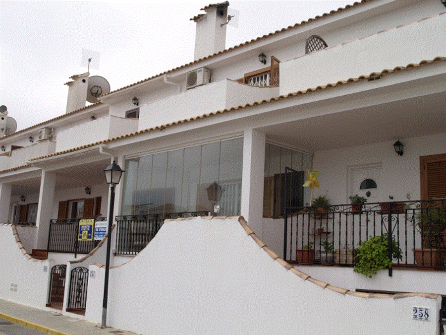 GA022: Town House in Gran Alacant