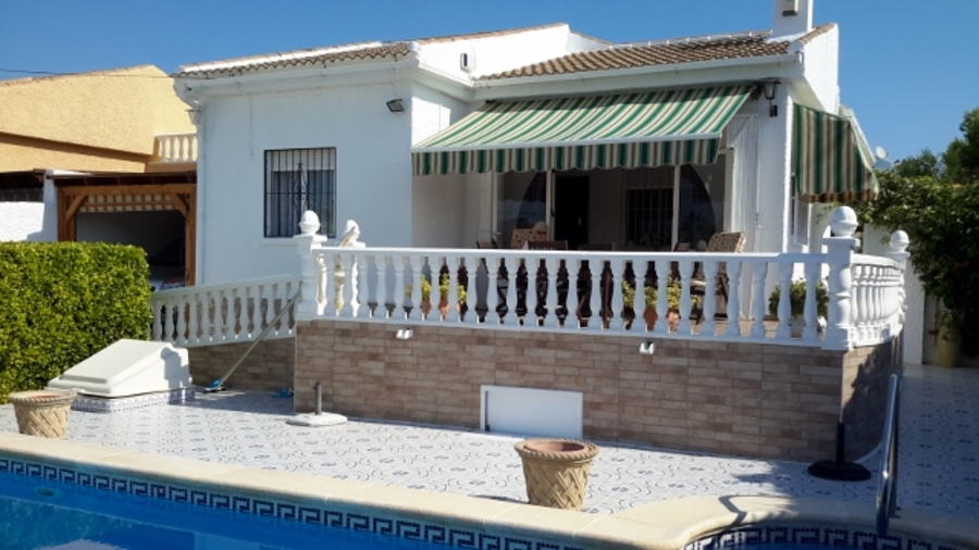 296: Villa for sale in  - Torrevieja