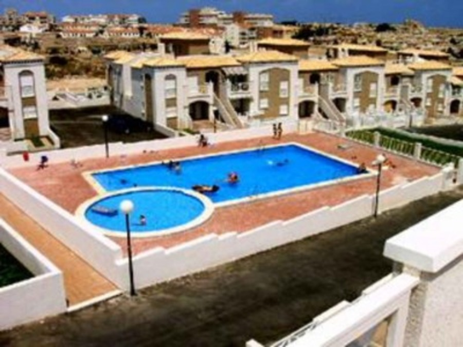 LMT025: Town House in La Mata